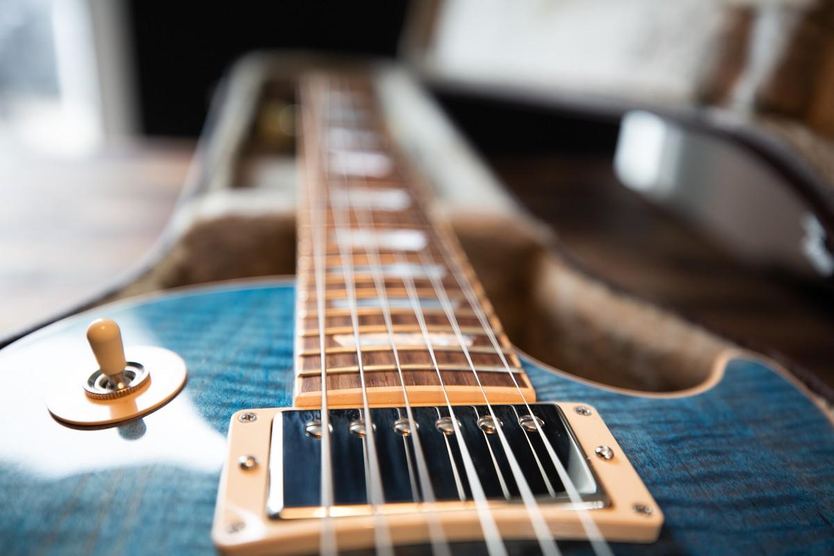 How To Set a Guitar Neck?